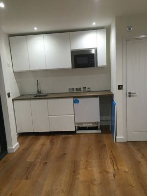 call-handyman-electrician-london-1