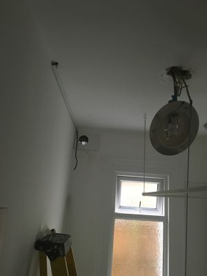 call-handyman-electrician-london-3